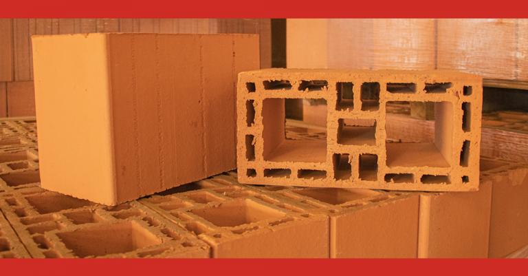 Descubra passo a passo como é feita a fabricação de blocos cerâmicos!
